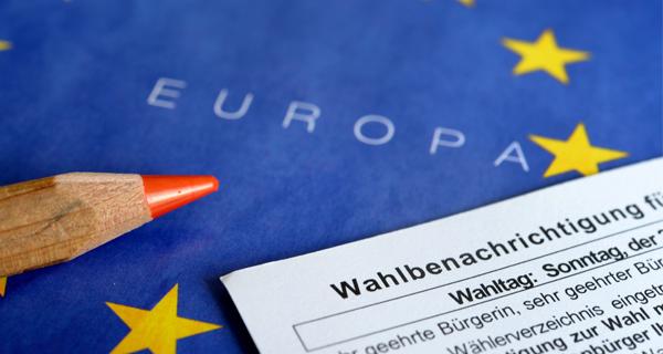 Wahlbenachrichtigung zur EU-Wahl. Foto: picture alliance, Frank May